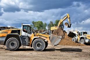 Der neue L 586 XPower® arbeitet mit weiteren Liebherr-Maschinen am Recyclingplatz der Meyer Recycling GmbH. © Liebherr
